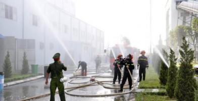 Chi nhánh Mỏ tuyển đồng Sin Quyền Lào Cai tổ chức diễn tập phương án chữa cháy, ứng phó sự cố hóa chất năm 2019