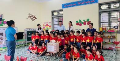 Thăm trường mầm non và nữ CNVLĐ khó khăn tại xã Bản Thi, huyện Chợ Đồn, tỉnh Bắc Kạn